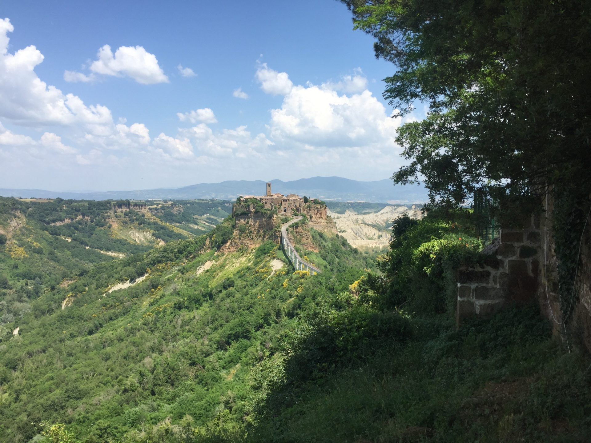 "<img src=""http://marenostrum.pl/wp-content/uploads//2019/09/Civita-di-Bagnoregio-widok.jpeg"" alt=""Civita di Bagnoregio"" />"