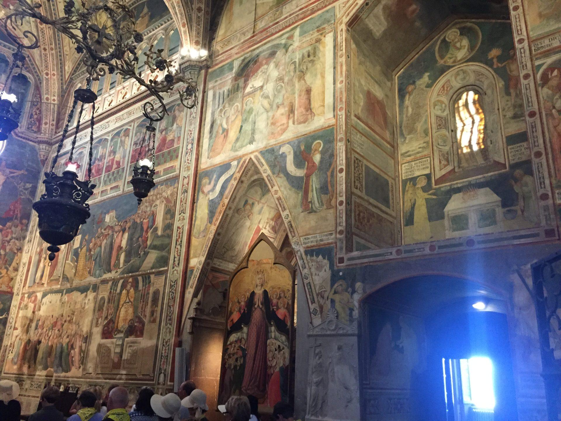 """<img src=""""http://marenostrum.pl/wp-content/uploads//2019/10/Kaplica-korporału-Orvieto.jpeg"""" alt=""""Kaplica korporału cud eucharystyczny Bolsena Orvieto"""" />"""