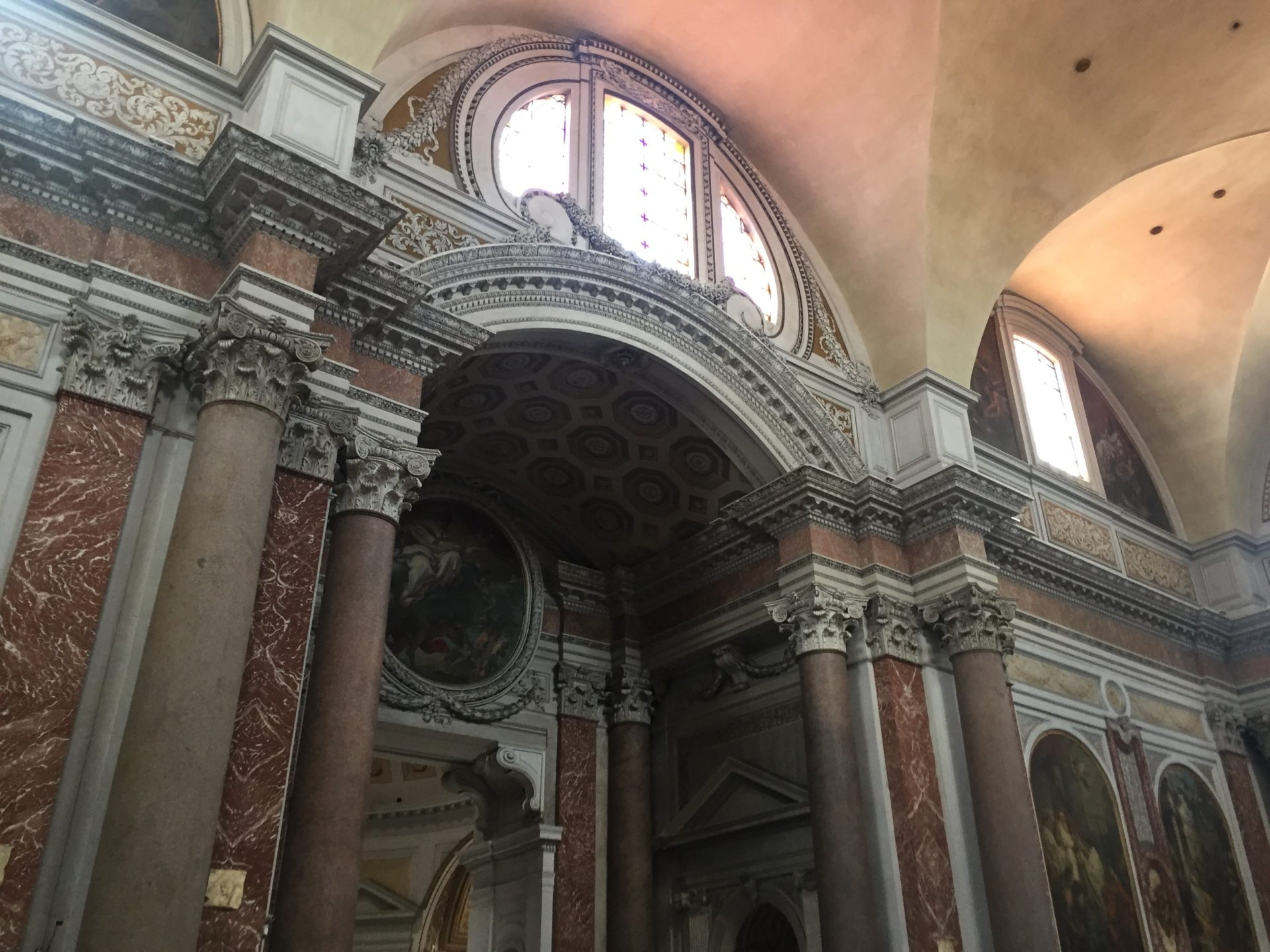 "<img src=""http://marenostrum.pl/wp-content/uploads//2019/11/Kościół-Santa-Maria-degli-Angeli-3.jpeg"" alt=""kolumny granitowe kościół santa Maria degli Angeli et dei Martiri Rzym"" />"